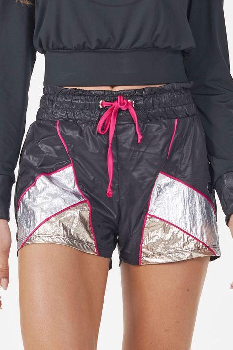 Shorts-Empapelado-Metal